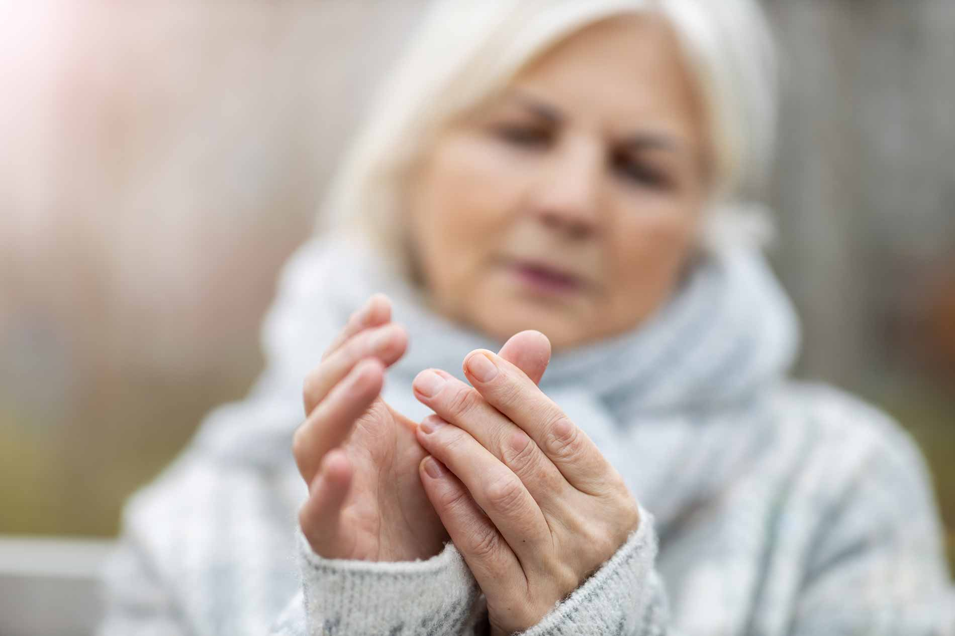 featuredimage-Arthritis-Symptoms,-Causes-and-Treatment
